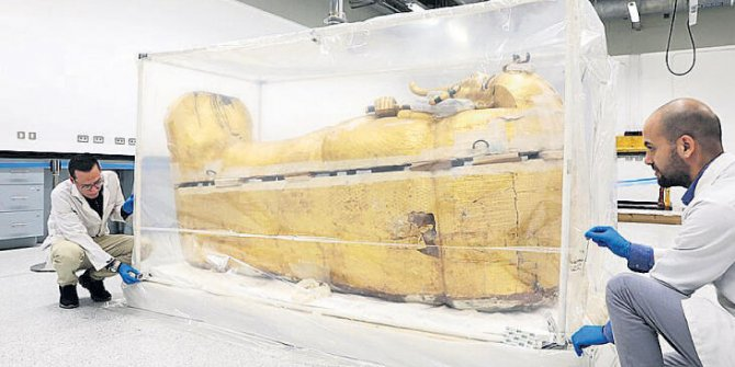 Mısır firavununa restorasyon
