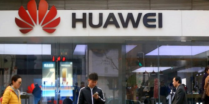 Huawei kendi işletim sistemi HarmonyOS'u tanıttı