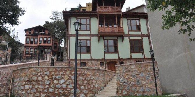 AKP'li eski başkan 'müze' diye yatak odası yaptırmış