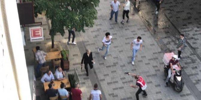 Taksim'de Pakistanlılar ve Afganlar arasında bıçaklı kavga
