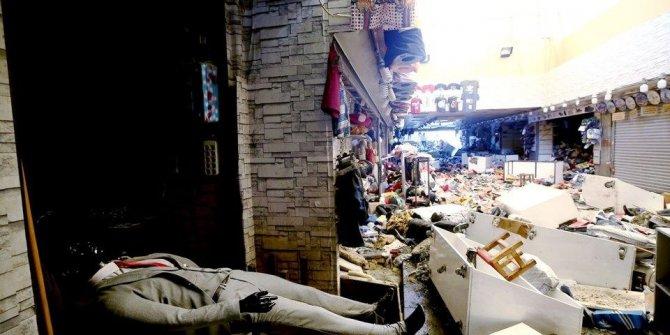 Selin vurduğu Eminönü'nde  dükkanlar yeniden açıldı