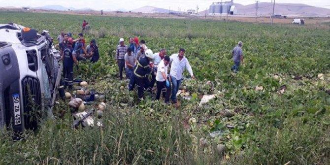 Minibüs ile TIR çarpıştı: 7 ölü
