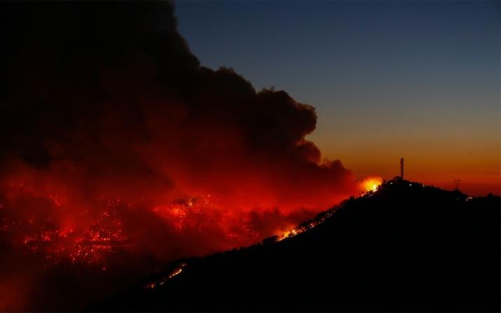 Karabağlar'da, yangın kontrol altına alınamadı!