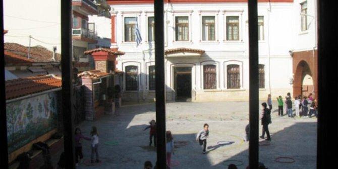 Yunanistan 65 Türk okulunu kapattı!