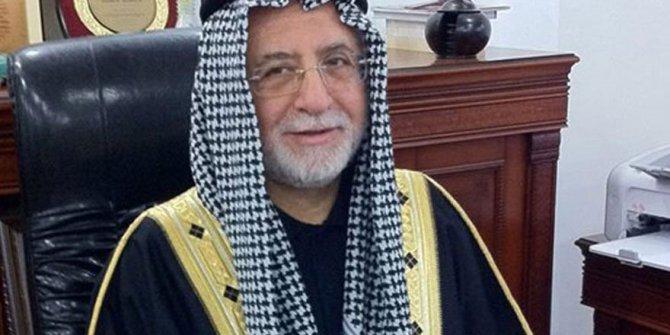 Arap şeyhi gibi giyinen rektör açığa alındı
