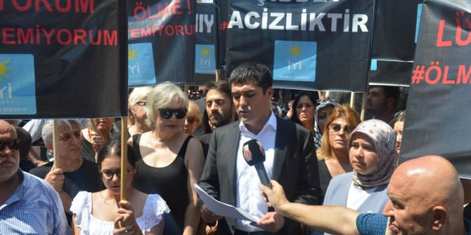 İYİ Parti'den kadına şiddeti protesto