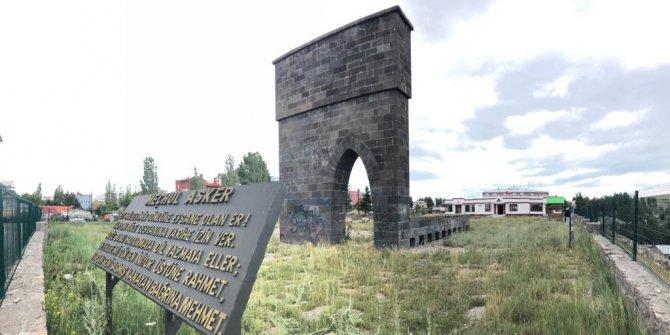 Meçhul Asker Anıtı, madde bağımlılarının mekanı oldu