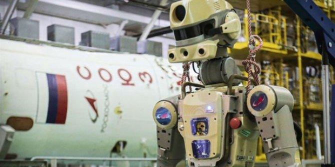 Rusya'nın Uzay'a gönderdiği ilk robot geri döndü!