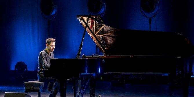 'En hızlı piyanist' izleyenleri büyüledi