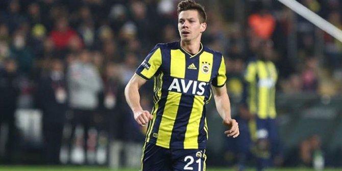 Fenerbahçe'de iki oyuncu daha yolcu!