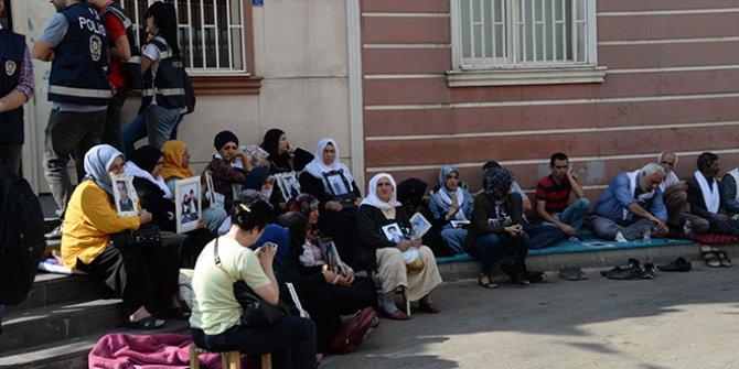 Oturma eylemindeki aileyi tehdit eden HDP'li tutuklandı!