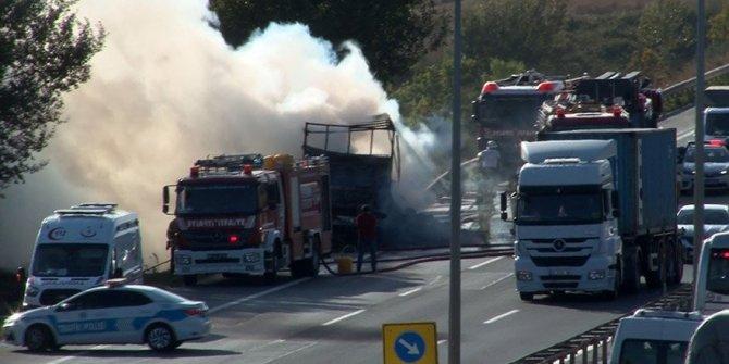 TEM'de yangın: Trafik kör düğüm