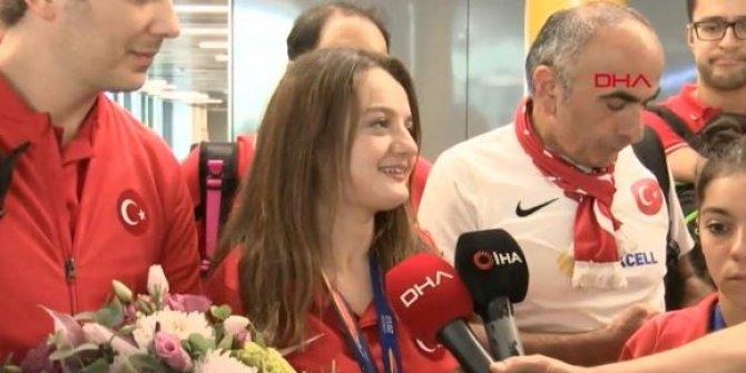 Paralimpik Yüzme Milli Takımı yurda döndü