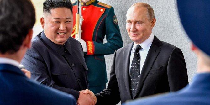 Ruslar Kuzey Kore'ye ait gemiye el koydu