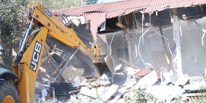 Orman arazisindeki kaçak yapılar yıkılıyor