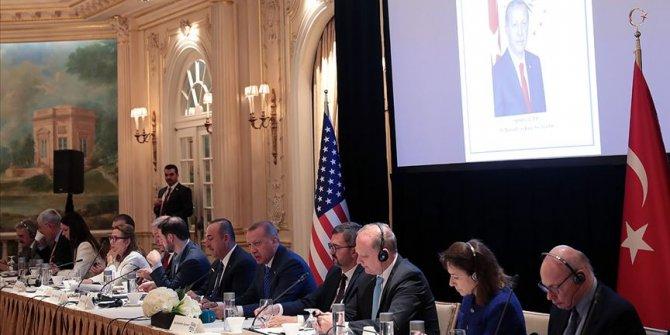 Erdoğan Doğu-Batı Enstitüsü toplantısıda