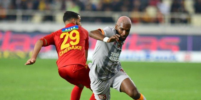 Galatasaray-Yeni Malatyaspor maçında kural hatası tartışmaları