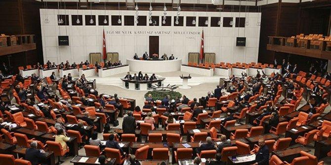 AKP, yargı paketi taslak metnini CHP'ye sundu