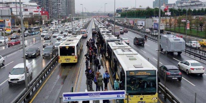 Metrobüs seferlerine 'deprem' düzenlemesi