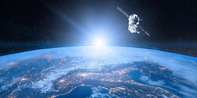 NASA, buzdolabı büyüklüğündeki uydusunu yörüngeye gönderdi