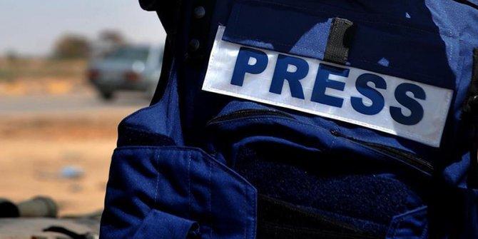 Sınırdaki gazetecilere kıyafet uyarısı