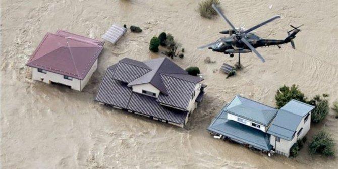 Japonya'daki tayfun 26 can aldı