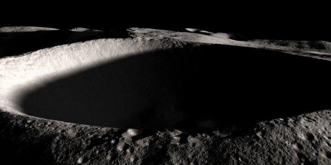 Bilim insanları Ay'daki buzun milyarlarca yıllık olabileceğini söyledi