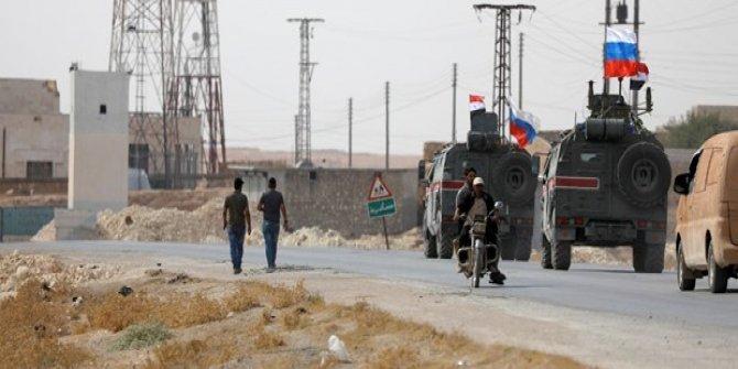 ABD çekildi, Rusya YPG/PKK'ya kol kanat gerdi