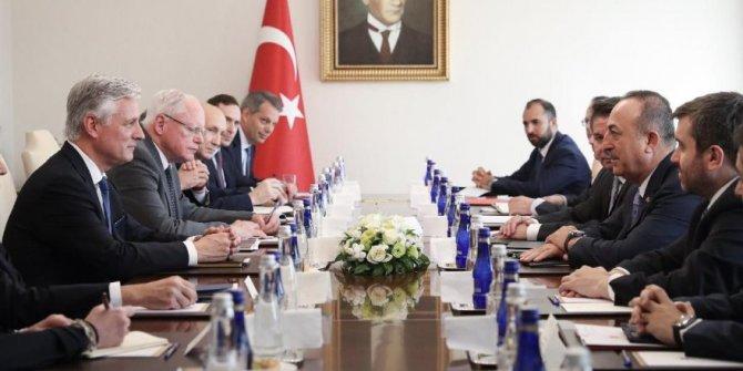 Bakan Çavuşoğlu, ABD'li heyetle görüştü