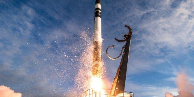 Rocket Lab, Orta Alçak Yörünge'ye uydu fırlattı