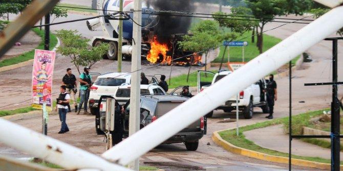 Uyuşturucu karteli Meksika'yı savaş alanına çevirdi