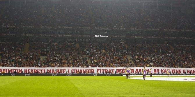 Galatasaray taraftarından dikkat çeken pankart