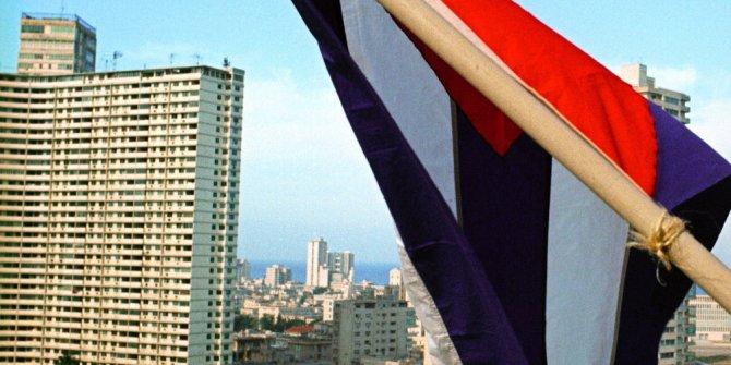 ABD, Küba'ya yaptırımlarını sıklaştırdı