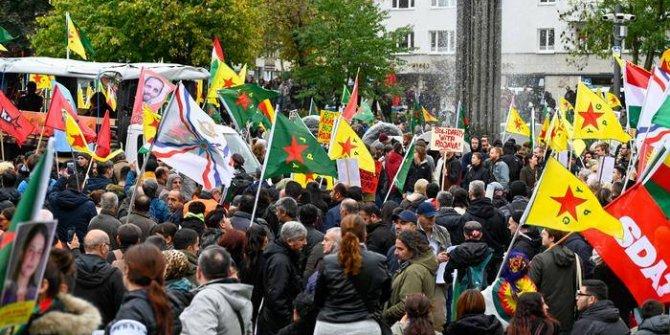 Almanya'da PKK yandaşları sokağa indi!
