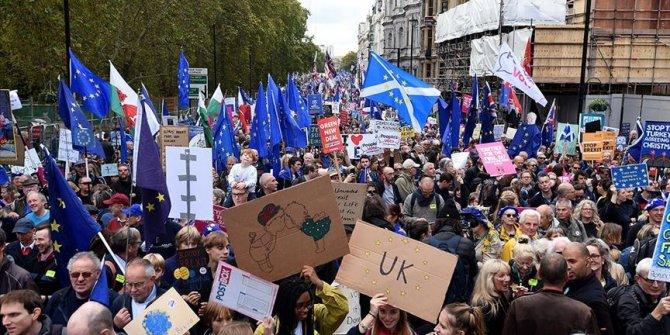 Londra'da Brexit karşıtı yürüyüş