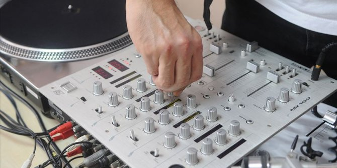 Yeni trend meslek DJ'lik!