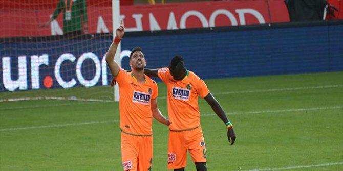 Alanyaspor, liderliği 5 golle aldı!