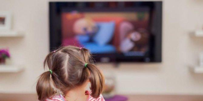 Televizyon karşısında uzun vakit geçirmeyin!
