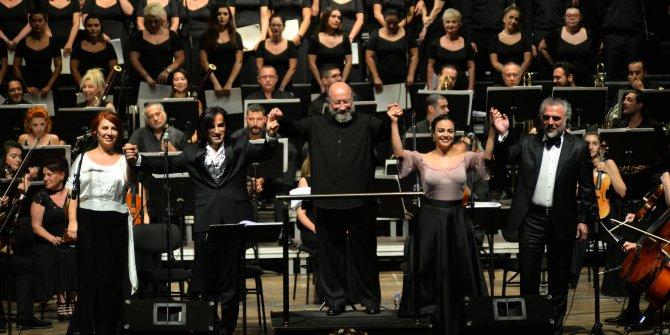 Senfonik Neşet Ertaş türkülerine yoğun ilgi