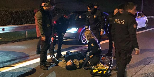 Cenaze taşıyan aileye motosiklet çarptı