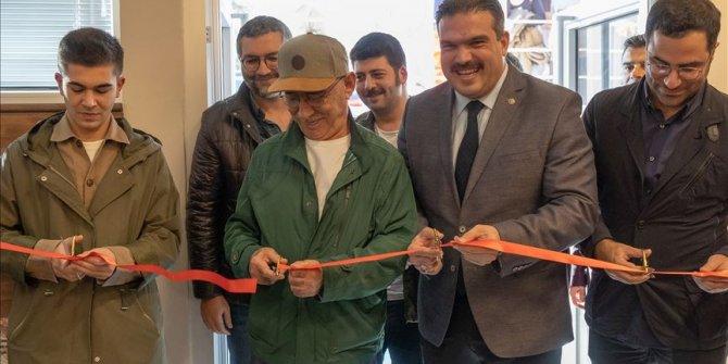 Şener Şen, adını taşıyan kültür salonu açılışına katıldı