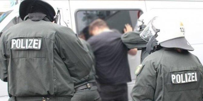 Almanya'da iki Türk gözaltına alındı