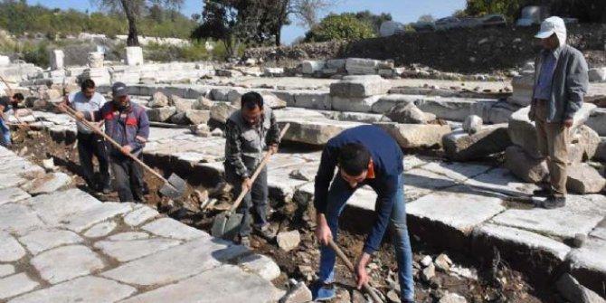 2 bin 200 yıllık kanalizasyon gün yüzüne çıkarıldı