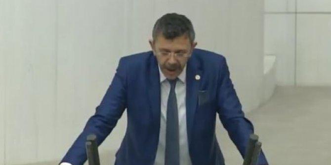 """""""Şanlı Türk bayrağına 'O Şey' diyen Müftü..."""""""