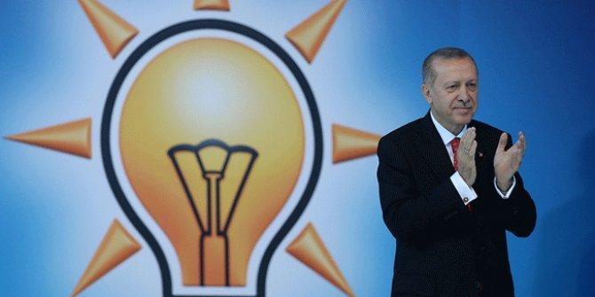 """""""Erdoğan, AKP Genel Başkanlığı'nı güvendiği bir isme bırakabilir"""""""
