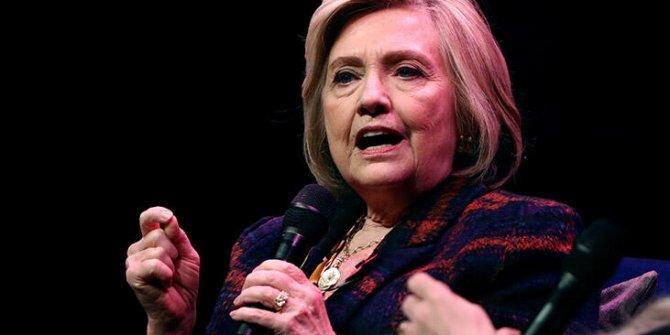 Hillary Clinton'ı taşıyan uçak arızalandı