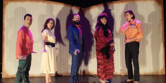 'Sevmekten Öldü Desinler' tiyatro severlerle buluşuyor