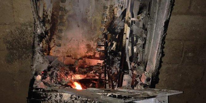 Bir kaçak elektrik panosu daha ateşe verildi