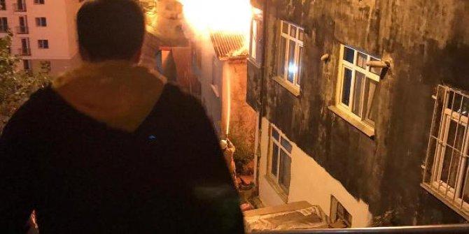 4 katlı bina böyle yandı...