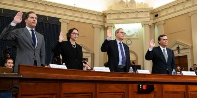 Trump'ın azil soruşturması: Dört anayasa uzmanından üçü 'azledilmeli' dedi